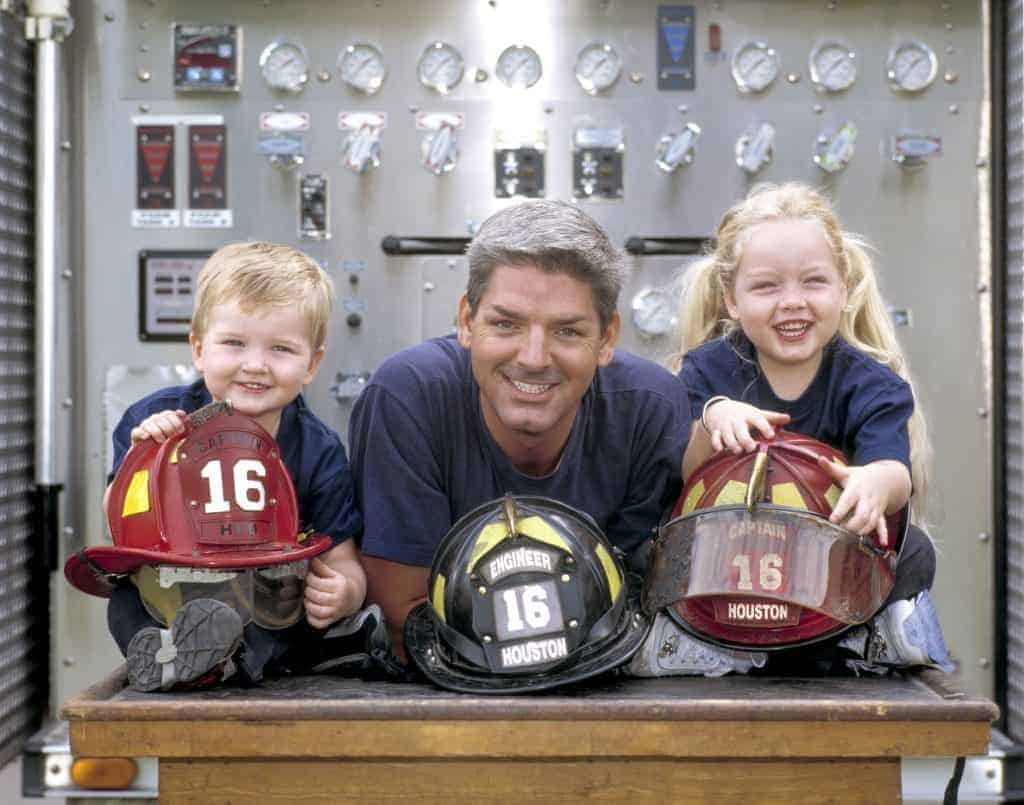 Houston_Firefighters_Family_photographed_by_Evin_Thayer-1024x805