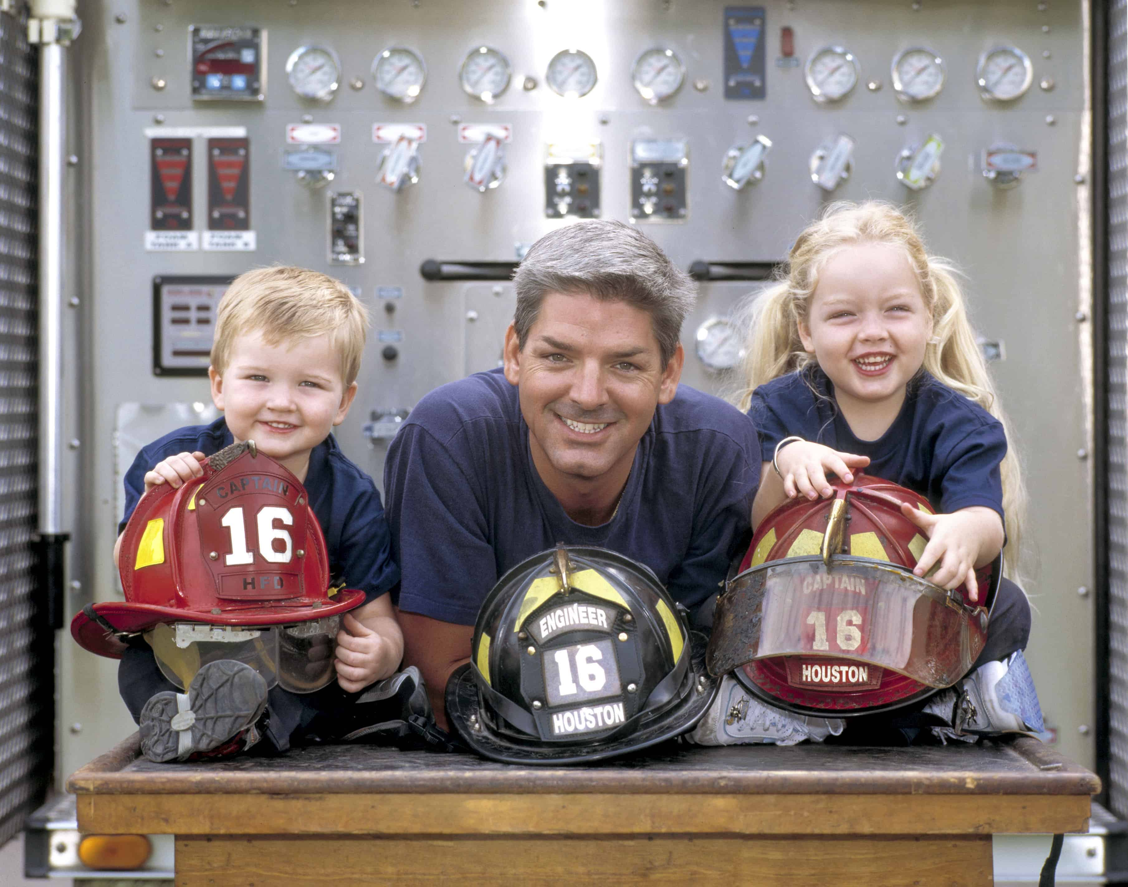Houston_Firefighters_Family_photographed_by_Evin_Thayer