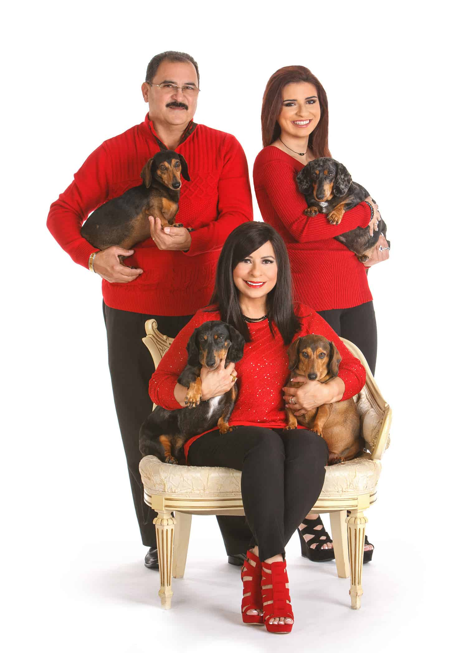 Christmas-sweater-family-photos-with-your-pets