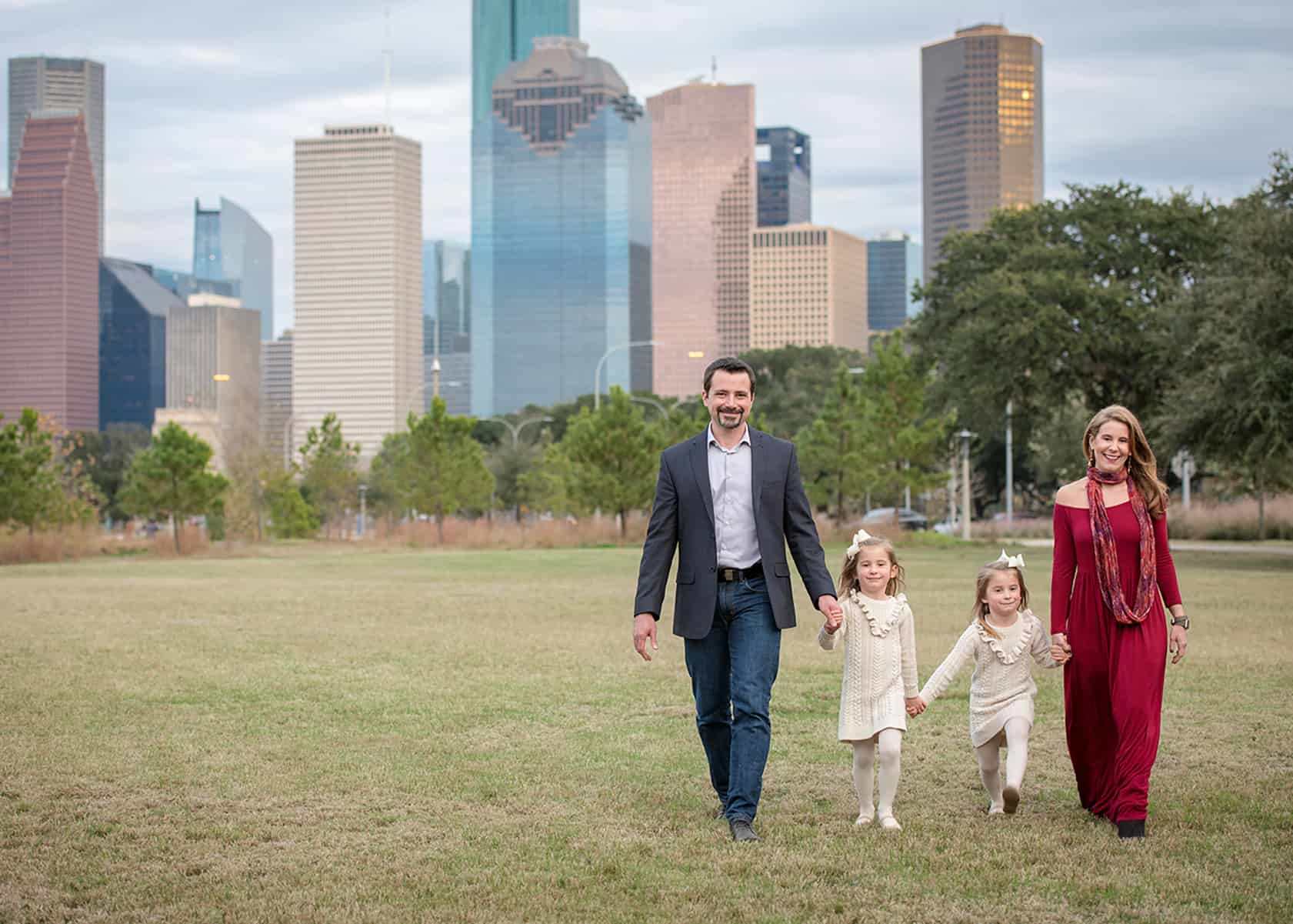 Family with twins for outdoor downtown photoshoot
